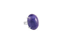 Ring in 18kt white gold with tanzanite.