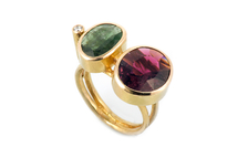 Ring in 18kt gold with tourmaline and brilliant.